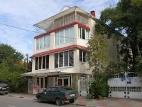 Геленджик, улица Мира, дом 22А. гостиница (отель) Дубрава