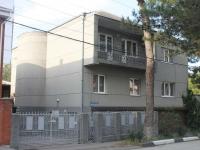 Геленджик, улица Херсонская, дом 46. многоквартирный дом