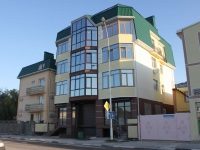 Gelendzhik, Lunacharsky st, house 34. Apartment house