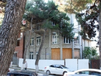 Gelendzhik, st Oktyabrskaya, house 16. Apartment house