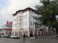 Геленджик, улица Первомайская, дом 23. многоквартирный дом
