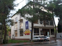 Gelendzhik, st Telman, house 72. multi-purpose building