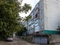 Gelendzhik, Vostochny alley, house 38. Apartment house