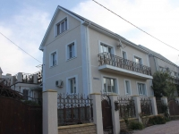 Gelendzhik, Grin st, house 3. Apartment house