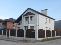 Gelendzhik, Divnomorskaya st, house 7. Private house