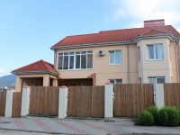 Gelendzhik, Divnomorskaya st, house 11. Private house