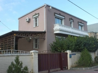 Gelendzhik, Divnomorskaya st, house 12. Private house