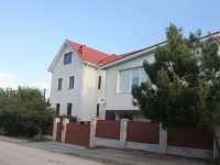 Gelendzhik, Divnomorskaya st, house 17. Apartment house