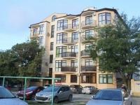 Геленджик, улица Жуковского, дом 4А. многоквартирный дом