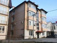 Геленджик, улица Жуковского, дом 10. многоквартирный дом