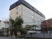 Gelendzhik, Zhukovsky st, house 16. office building