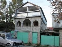 Геленджик, улица Красная, дом 15. индивидуальный дом