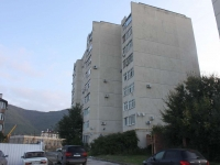 Gelendzhik, alley Sosnovy, house 3А. Apartment house