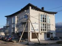 Геленджик, улица Айвазовского, дом 27. многоквартирный дом