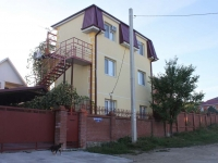 Gelendzhik, Kustodieva st, house 26. Apartment house