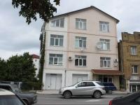 Геленджик, улица Новороссийская, дом 99. многоквартирный дом