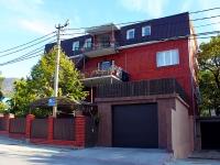 Геленджик, улица Тургенева, дом 42. индивидуальный дом