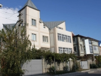 Gelendzhik, Tsiolkovsky st, house 6. Apartment house