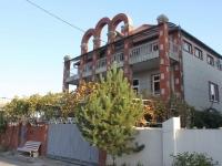 Gelendzhik, Klenovaya st, house 5. hotel
