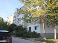 Gelendzhik, Nakhimov st, house 8. Apartment house