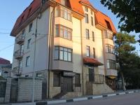 Геленджик, улица Пионерская, дом 27. многоквартирный дом