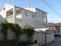 Gelendzhik, Repin st, house 12. Apartment house