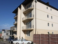 Gelendzhik, Repin st, house 13. Apartment house