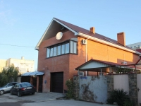 Gelendzhik, Surikov st, house 27. Private house
