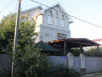 Gelendzhik, Surikov st, house 32. Private house