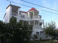 Gelendzhik, Tsvetochnaya st, house 14. hotel