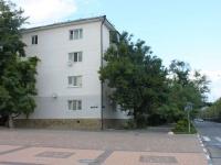 Novorossiysk, Naberezhnaya admirala Serebryakova st, house 51. Apartment house