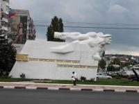 Новороссийск, Ленина проспект. памятник Матрос с гранатой