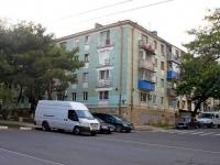 Новороссийск, улица Толстого, дом 11. многоквартирный дом