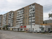 Novorossiysk, Kunikov st, house 9. Apartment house with a store on the ground-floor