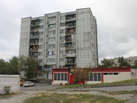 Novorossiysk, Kunikov st, house 92. Apartment house with a store on the ground-floor