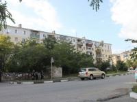 Новороссийск, улица Суворовская, дом 1. многоквартирный дом