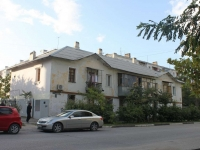 Novorossiysk, Suvorovskaya st, house 3. Apartment house