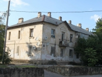 Novorossiysk, Suvorovskaya st, house 11. Apartment house