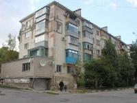 Novorossiysk, Suvorovskaya st, house 19. Apartment house