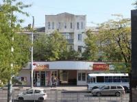 新罗西斯克市, Sovetov st, 房屋 60. 公寓楼