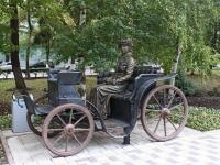 Novorossiysk, sculpture НезнакомкаSovetov st, sculpture Незнакомка