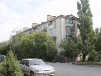 Novorossiysk, Karamzin st, house 28. Apartment house
