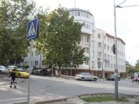 Новороссийск, улица Коммунистическая, дом 35. офисное здание
