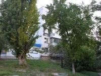 Novorossiysk, st Volgogradskaya, house 22. Apartment house with a store on the ground-floor