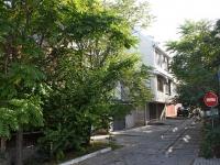 Новороссийск, улица Видова, дом 111. многофункциональное здание