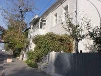 Novorossiysk, st Zhukovsky, house 13. Apartment house