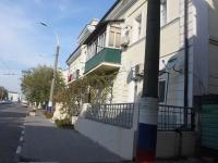 Novorossiysk, st Zhukovsky, house 17. Apartment house