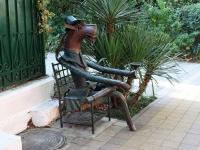 Sochi, sculpture Конь в пальтоTeatralnaya st, sculpture Конь в пальто