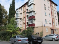 Sochi, Chaykovsky st, house 33. Apartment house