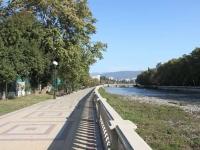 улица Чайковского. набережная реки Сочи